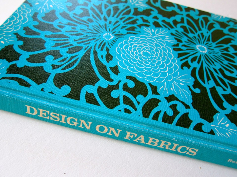Design on Fabrics by Meda Parker Johnston and Glen Kaufman, 1967, Reinhold Publishing